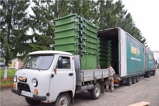 В Красночетайский район доставлены новые евроконтейнеры для накопления ТКО