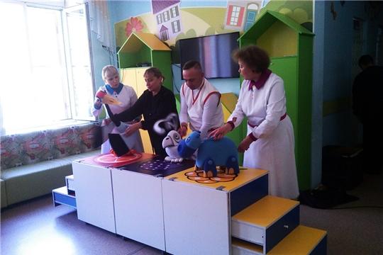 Актеры Чувашского государственного театра кукол порадовали пациентов детского отделения