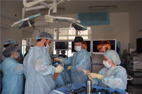 В Чебоксарах прошел мастер-класс по хирургическому лечению ожирения