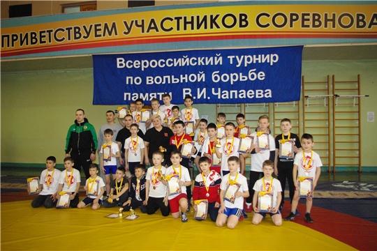 Спортивный турнир по вольной борьбе среди юношей проведён при поддержке Ассамблеи народов Чувашии