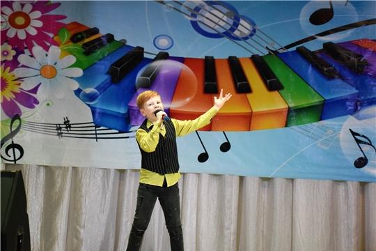 В Шумерле состоялся зональный этап III республиканского фестиваля «Радуга дружбы»