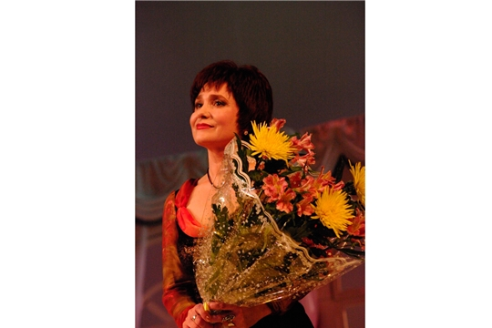 8 мая - юбилей народной артистки Чувашской Республики Ларисы Родик
