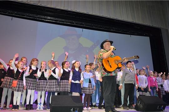 В Чувашском государственном театре юного зрителя имени М. Сеспеля прошла творческая встреча с Григорием Гладковым