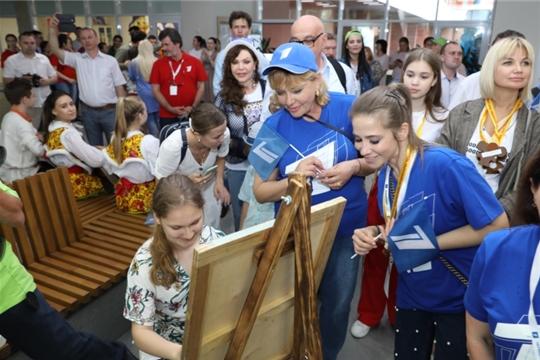 Звезды Первого канала встретились в Чебоксарах с одаренными детьми