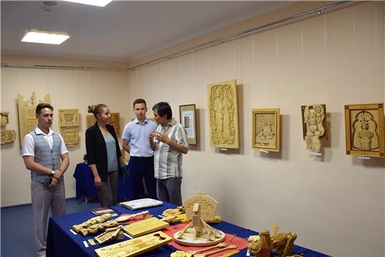 Заместитель руководителя ФАДН России Анна Котова посетила Дом Дружбы народов Чувашии