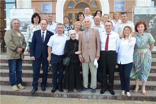 Василий Лановой посетил экспозиции Чувашского национального музея