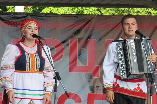 В рамках празднования Дня Республики в Урмарском районе состоялся концерт артистов Мордовской Республики