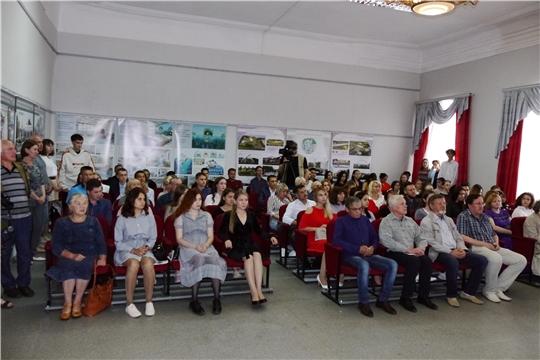 Состоялось торжественное вручение дипломов выпускникам Чебоксарского художественного училища