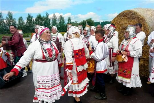 Фольклорный коллектив «Татмаш ен» Канашского района стал участником фестиваля «Шкинь-опера»