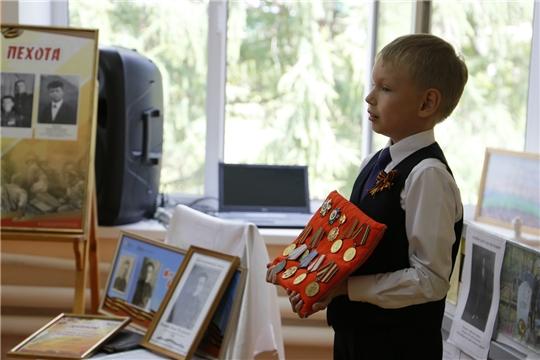 Уникальная выставка «Моя семья в истории Великой Победы» открылась в картинной галерее г. Шумерля