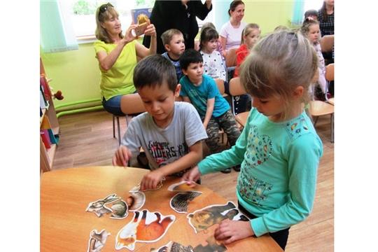 В Чувашской республиканской детско-юношеской библиотеке состоялась встреча с поэтом Алевтиной Корочковой