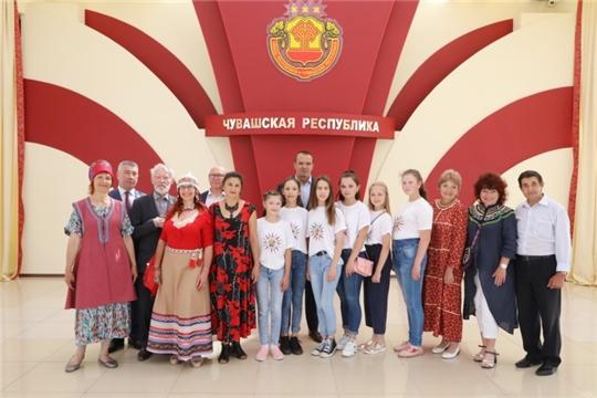 Глава Чувашии Михаил Игнатьев встретился с участниками XIII Кокелевского пленэра