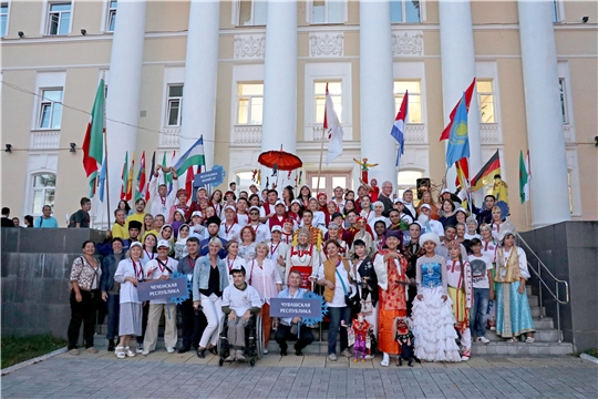 В празднованиях «Дня города» в чувашской столице принимали участие коллективы фестивалей «Карусель сказок» и «Одинаковыми быть нам необязательно»