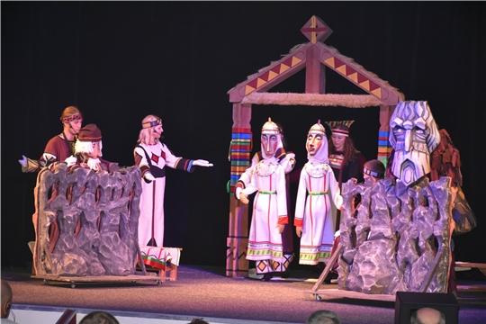 В праздничных Чебоксарах стартовали сразу два международных фестиваля