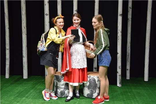 В Экспериментальном театре состоялся показ премьерного спектакля «Красная Шапочка. Перезагрузка»