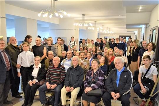 Открылась выставка «Мир Геннадия Айги»