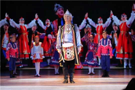 Состоялось открытие 40-го творческого сезона Заслуженного коллектива народного творчества, народного ансамбля народного танца «Сувар» и народного детского ансамбля народного танца «Суварята»