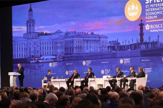 ПМЭФ-2019: Президент России Владимир Путин выступил на пленарном заседании форума