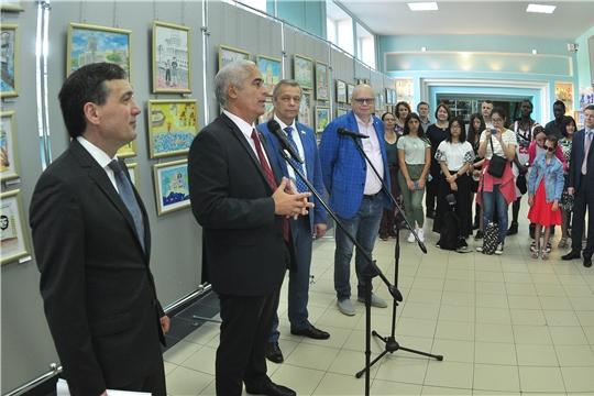 Чрезвычайный и Полномочный Посол Республики Куба в РФ открыл в Чебоксарах выставку детских рисунков «Мечтаю о Кубе»