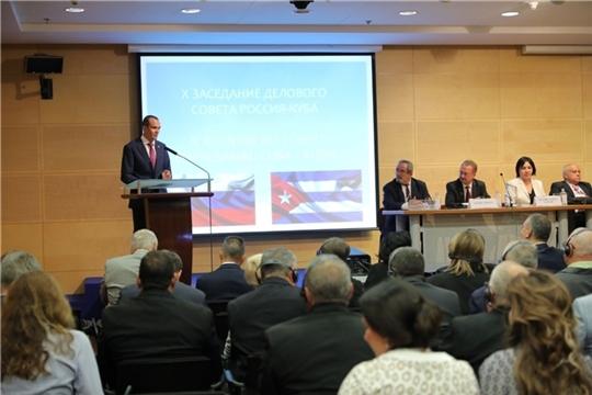 Михаил Игнатьев в Москве приветствовал участников X заседания Делового Совета Россия – Куба и посетил выставку «Куба в России – 2019»