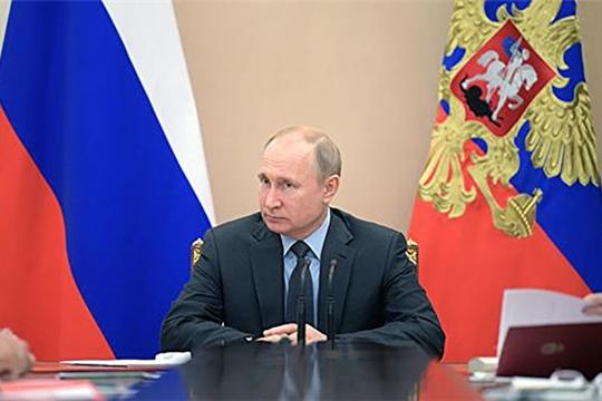 Путин призвал контролировать рост цен на дизельное топливо