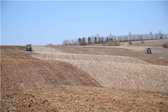 Расширяется фронт полевых работ в хозяйствах Красночетайского района
