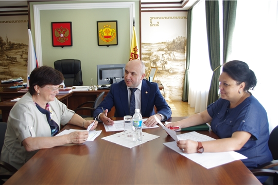 Сергей Артамонов обсудил с Ириной Письменской вопросы кредитования аграриев республики
