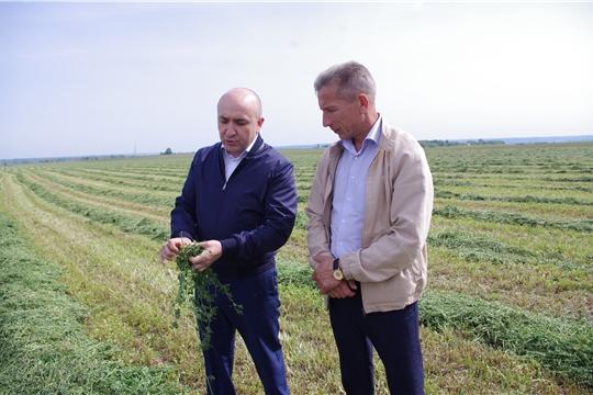 Сергей Артамонов ознакомился с ходом заготовки кормов в хозяйствах Чебоксарского, Красночетайского и Порецкого районов
