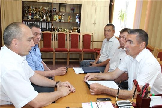 Канашский район с рабочим визитом посетил главный ветврач республики Сергей Скворцов
