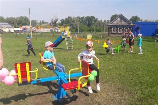Новые детские и игровые площадки радуют селян