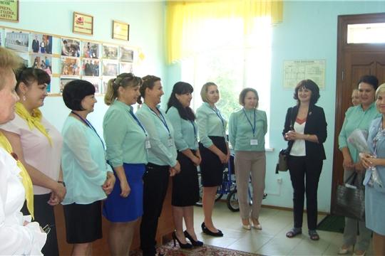 Заместитель министра Алина Кузнецова посетила Ибресинский дом-интернат для престарелых и инвалидов