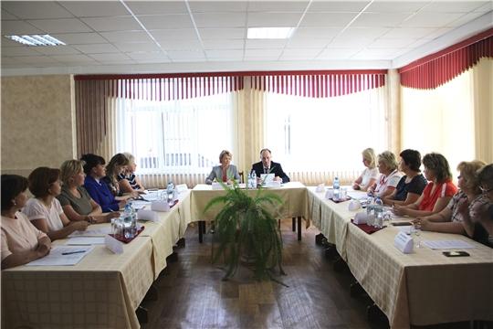 В Чебоксарах обсудили вопросы профилактики и предупреждения социального неблагополучия женщин