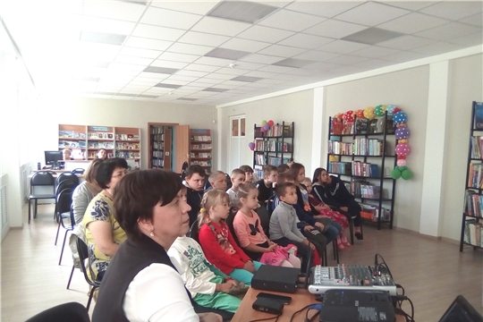 В Чебоксарах воспитанники социально-реабилитационного центра для несовершеннолетних приняли участие в антинаркотической акции