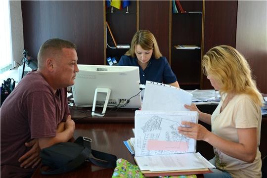 К заместителю министра Елене Быковой обратились граждане с земельными вопросами