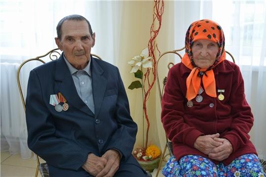 Счастье на двоих: 65 лет семейной жизни Петровых из Вурнарского района