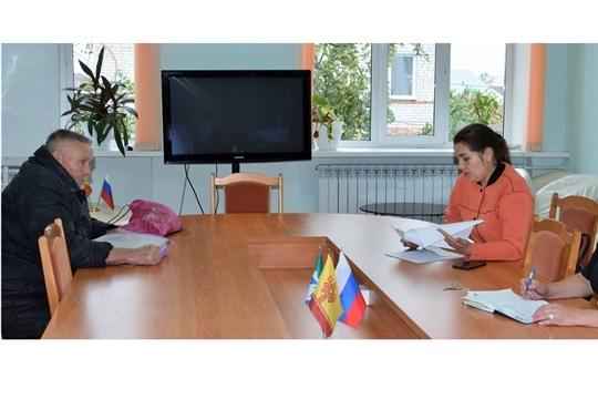 В Вурнарском районе состоялся очередной прием граждан в рамках проекта «Юристы - населению»