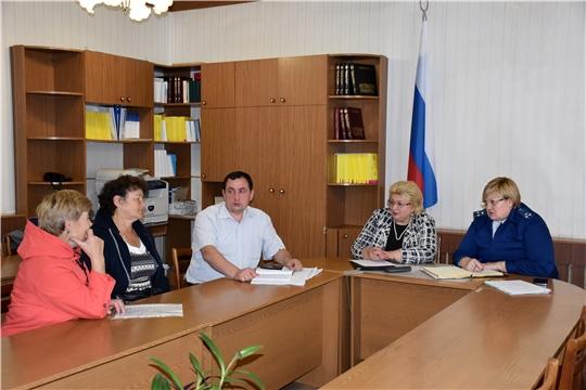 Чебоксарской межрайонной природоохранной прокуратурой совместно с уполномоченным по правам человека в Чувашской Республике провели прием граждан в Моргаушском районе