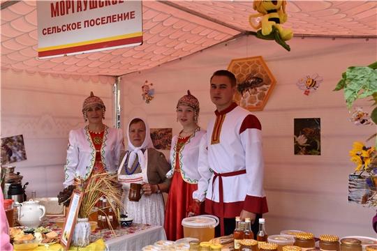 В Моргаушском районе состоялся 10-ый праздник меда «Здоровье - на крыльях пчелы» «моргаушцы трудятся и живут дружно, как одна пчелиная семья»