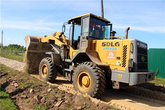 В рамках программы инициативного бюджетирования продолжается ремонт дороги в с. Ахманеи
