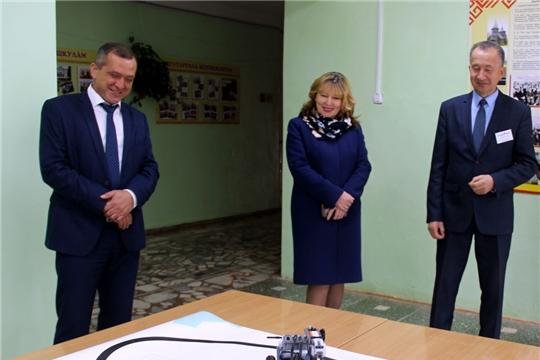 В Моргаушском районе открылись сразу два  Центра образования гуманитарного и цифрового профилей «Точка роста»