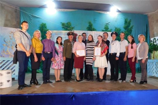 Неделю самодеятельного театра Орининский народный театр достойно открыл на сцене Дворца культуры тракторостроителей