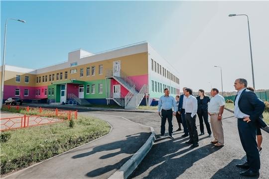 Ход строительства детских садов в Чебоксарах проинспектировали Иван Моторин и Алексей Ладыков