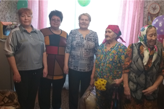 Поздравление ветерана Великой Отечественной войны Лекеревой Александры Егоровны с 90-летием