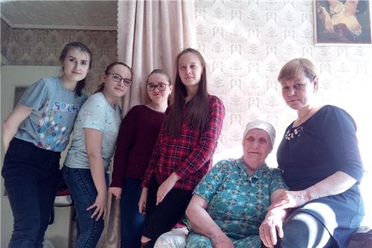 Волонтеры Новочебоксарска активно принимают участие в уборке квартир ветеранов