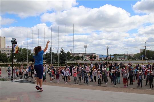 В Международный день борьбы со злоупотреблением наркотиков в Новочебоксарске прошла оздоровительная зарядка