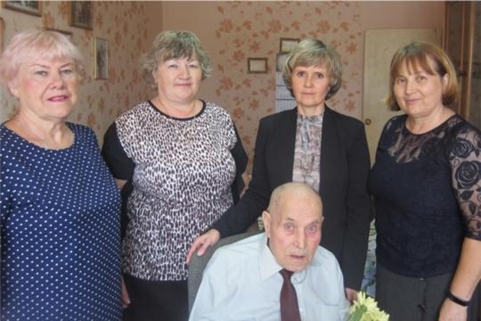 90-летний юбилей отметил ветеран Великой Отечественной войны, труженик тыла Александр Иванович Иванов