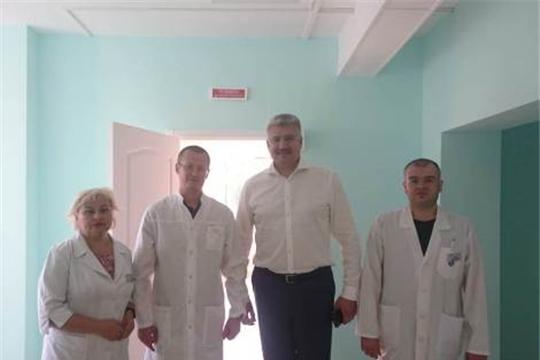 Министр здравоохранения Чувашской Республики Владимир Викторов с рабочим визитом посетил Новочебоксарскую городскую больницу