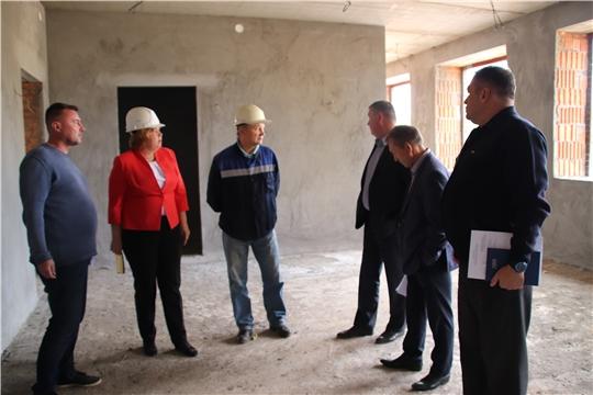 Глава администрации Новочебоксарска Ольга Чепрасова провела рабочее совещание на стройке детского сада