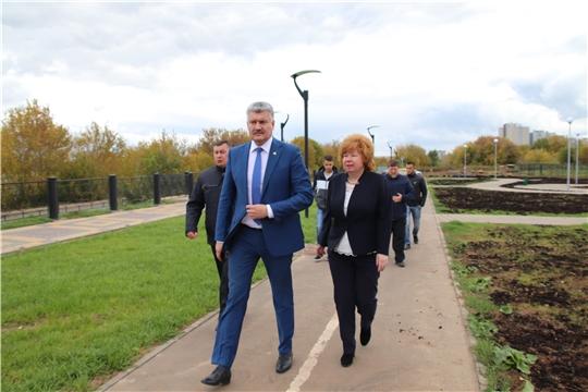 Заместитель Председателя Кабинета министров Чувашии Владимир Викторов осмотрел новый сквер