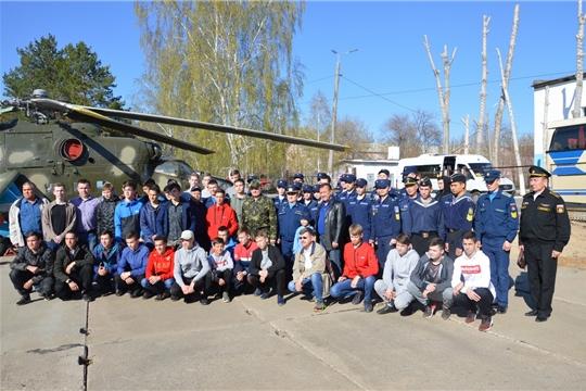 Старшеклассники Чувашии побывали в филиале Военно-воздушной академии имени профессора Н. Е. Жуковского и Ю. А. Гагарина